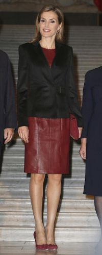 Queen Letizia at the Diego Velázquez exhibition in Vienna when she debuted the Hugo Boss Jesila blazer. 27 Oct 2014
