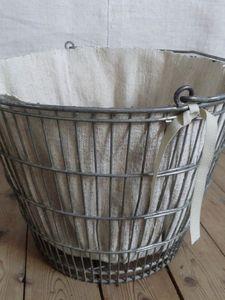 Metal basket / broccharme