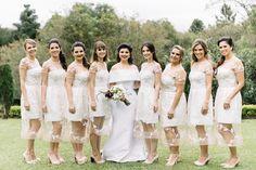 Madrinhas com o mesmo vestido branco Cyntia Fontanella