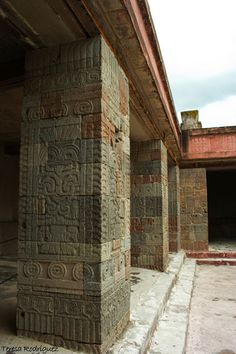 Temple of the Butterflies, Teotihuacan Really? I'm dying to see Teotihuacan… Aztec Ruins, Mayan Ruins, Ancient Ruins, Ancient History, Ancient Buildings, Ancient Architecture, Beautiful Architecture, Sites Touristiques, Inka