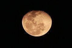 México 26 Feb 2016.- Una hermosa luna se pudo observar la noche de ayer iluminando la Ciudad de México.  @Candidman   #Fotos Candidman Ciudad de México Foto del día Luna @candidman