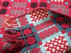 Welsh Blanket Wool Double Woven Caernarfon by Plantdreaming Welsh Blanket, Wool Blanket, Red Blanket, Vintage Blanket, Weaving Textiles, Weaving Projects, Vintage Textiles, Woven Rug, Pattern Design