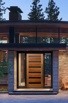 Contemporary fir wood front door with black metal panels. Modern Wood Doors, Modern Entrance Door, Main Entrance Door Design, Modern Exterior Doors, Contemporary Front Doors, Wood Exterior Door, Modern Front Door, Wood Front Doors, Exterior Front Doors