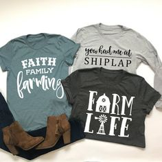 These are so fun Country Shirts, Country Outfits, Fall Outfits, Cute Outfits, Country Style, Cow Shirt, My T Shirt, Vinyl Shirts, Tee Shirts