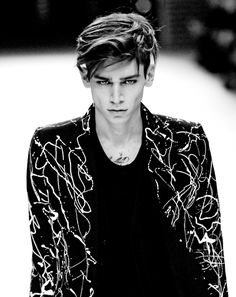 Cole Mohr / Male Models, Men's Fashion and Style Black & White Photography Cole Mohr, Pleasing People, Poses For Men, Hair Shows, Fine Men, Trends, Male Face, Attractive Men, Beautiful Boys