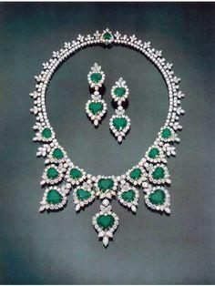 HARRY WINSTON JEWELLERY | Harry-Winston-Ullimate Jewellery Book