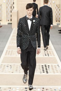 Look 41 from the Louis Vuitton Men's Spring/Summer 2014 Fashion Show. ©Louis Vuitton / Ludwig Bonnet
