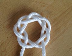 How to Tie a Pretty Round Celtic Knot | Guidecentral