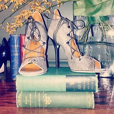 @alisonssscohn at Soho House New York Two of My Favorite Things @malonesouliers #worksofcharlesdickens #MaloneSouliers #SohoHouseNY #ElleUSA