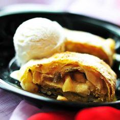 Apple Pie, Beef, Desserts, Food, Meat, Tailgate Desserts, Deserts, Essen, Postres