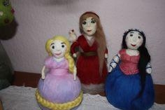 Märchenfiguren Rapunzel, Aschenputtel und Schneewitchen gefilzt