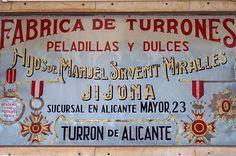 Fábrica de Turrones en la Calle Mayor de Alicante.