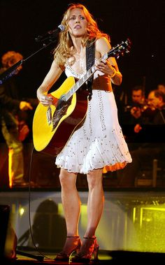 Listen to every Sheryl Crow track @ Iomoio Female Guitarist, Female Singers, Classic Singers, Taylor Dayne, Sheryl Crow, Women Of Rock, Guitar Girl, Her Music, Music Music