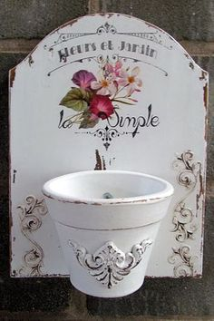 shabby chic flower pot - wall decor - cutte idea - to do!! (not only for…