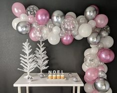 Christmas Is Coming! Peppermint DIY Balloon Garland Kit - Includes Pump & Wall Hooks in 2020 5 Balloons, Confetti Balloons, Balloon Garland, Balloon Decorations, Birthday Decorations, Frozen Themed Birthday Party, Birthday Party Themes, Balloon Clusters, Frozen Snowflake
