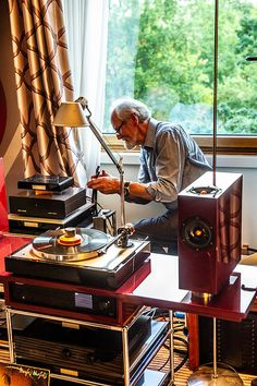 Home Music Rooms, Music Studio Room, Old Vinyl Records, Vinyl Music, Hifi Stereo, Hifi Audio, Personal Project Ideas, Audio Room, Vinyl Junkies