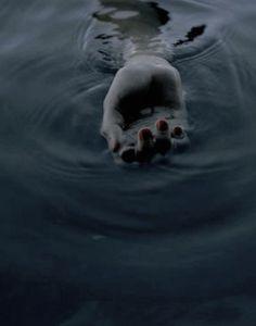 Foto Baby, Mystique, Greek Gods, Twilight, Underwater, Images, Novels, Ocean, Dark