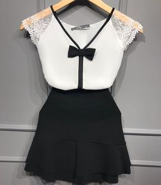 Kurta Neck Design, Baby Dress Patterns, Sunday Dress, Girl Fashion, Womens Fashion, Blouse Styles, Casual Looks, Shirt Blouses, Cute Outfits