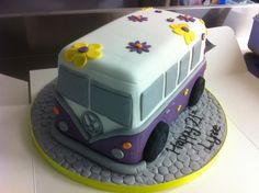 hippy cakes | Cakes For Her Hippy Van Display The Inner With This Flower Power