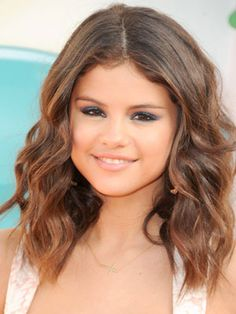 selena gomez light hair | How to do Selena Gomez Beach waves with curling iron | Daniella ...