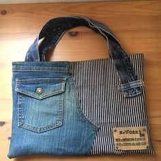 Jeans bag Denim purse Denim handbag Leather handles Womens bag of recycled denim. Denim Tote Bags, Denim Purse, Blue Jean Purses, Diy Sac, Diy Bags Purses, Denim Ideas, Denim Crafts, Straw Handbags, Old Jeans