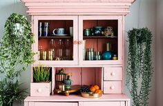 The prettiest pink Craigslist cabinet remodel we've ever seen! So gorgeous surrounded by green plants. Studio Tour: Justina Blakeney's Boho Space - See the full tour on our Style Guide! Decor, Studio Tour, Cabinet Remodel, Pink Dresser, Interior, Decor Design, Home Decor, Justina Blakeney, Boho Space