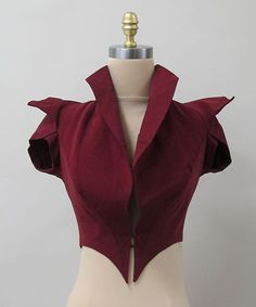 Pictured here is an Evening Jacket by Charles James. Evening Jackets were popular among women and they often wore them over dresses during the evening. Looks like more of a vest with shorts sleeves to me! 1930s Fashion, Look Fashion, Vintage Fashion, Fashion Outfits, Fashion Design, Vintage Couture, Fashion Hacks, Classy Fashion, Vintage Vogue