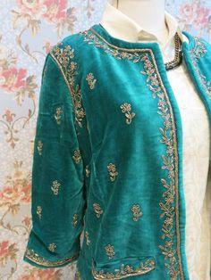 Estilo Hippie Chic, Hippy Chic, Fancy Dress Design, Stylish Dress Designs, Couture Embroidery, Embroidery Fashion, Pakistani Dress Design, Simple Pakistani Dresses, Velvet Dress Designs