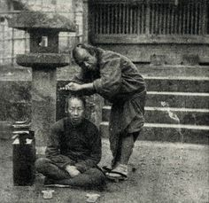 Fig. 4: John Gulick, 'Japanese street scene; barber and customer,' 1862-63, illustrated in Addison Gulick's Evolutionist and Missionary.