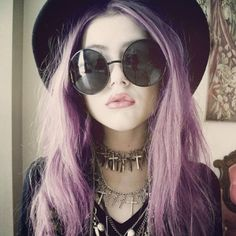 A perfect balance of trends: pastel hair and grunge