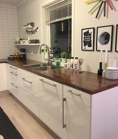 K i T c h e N #livingroom #living #nordiskehjem #nordisk #interior #interiordesign #interior4all #interior4you1 #tips #tips4life #elisabeth_hjem #home #homedecor #homesweethome #homedesign #skandinaviskehjem #skandinaviskahem #myhome #mitthem #mitthjem #kitchen #kjøkken #kjøkkeninspirasjon