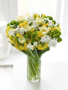 Karen woolven floral design gallery karen woolven floral design spring flowers expertly prepared and hand delivered today or when you specify to the uk by interflora florists using the finest freshest flowers mightylinksfo