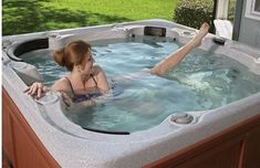 10 Easy Spa & Hot Tub Exercises: Simple effective moves that anyone can for heart health, weight loss, muscle tone, flexibility, and rehabilitation. Water Aerobic Exercises, Arthritis Exercises, Water Workouts, Swim Workouts, Pool Exercises, Simple Workouts, Jacuzzi, Hot Tub Deck, Hot Tub Backyard