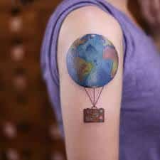 40 wanderlust tattoo designs for anyone obsessed with travel Tatoo Travel, Travel Tattoos, Erde Tattoo, Wanderlust Tattoo, Body Painting, Tattoo Designs, Tattoo Motive, Wrist Tattoo, Tattoo Art