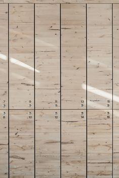 Wooden rock: Löyly Sauna in Helsinki Staff Lockers, Wood Lockers, Office Lockers, Sauna Design, Gym Design, Best Digital Slr Camera, Locker Designs, Cottage Bath, Best Dslr