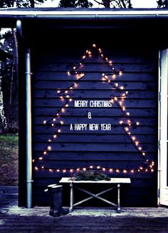 DIY idea: Outdoor christmas tree decoration with twinkle lights