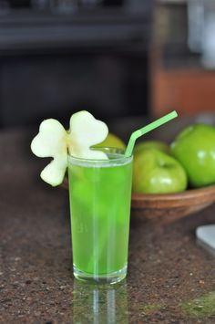 shamrock juice: pineapple juice, sparkling lemonade, sparkling white grape juice lime popsicles, & green apples