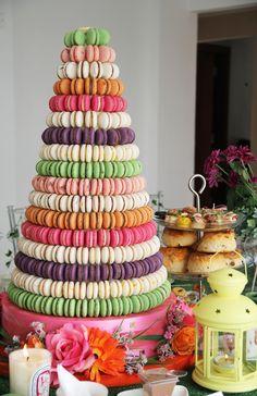 Amazing macaron cake tower :O Macaroon Tower, Macaroon Cake, Macaron Cookies, Macaron Recipe, Cake Icing, Cupcake Cakes, Cupcakes, Beautiful Cakes, Amazing Cakes