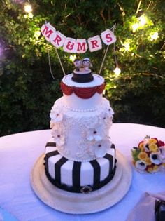 1940s themed cake