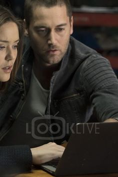 Tom Keen  in The Blacklist S02E20