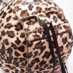 Funda Casco Leopardo | Dresses2Kill  http://www.dresses2kill.com