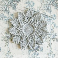 The beginnings of a pretty crochet cushion, from a re-worked vintage pattern appearing in 'Woman's Weekly Vintage Patterns' magazine   http://emmallamb.blogspot.co.uk/2014/01/january-crochet.html