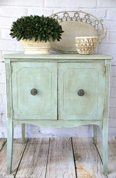 Duck Egg Table Makeover - by Canary Street Crafts