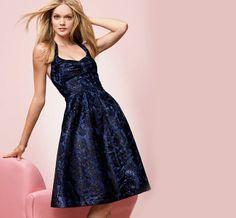 La fiesta de navidad es una fecha importante en muchos aspectos. Para nuestro ropero significa el momento de renovarlo quizás o de usar prendas y accesorios poco habituales en nuestro vestir. Conoce aquí los consejos de la experta para que luzcas hermosa. http://www.liniofashion.com.co/linio_fashion/mujeres?utm_source=pinterest&utm_medium=socialmedia&utm_campaign=COL_pinterest___fashionmujeres_20131223_12&wt_sm=co.socialmedia.pinterest.COL_timeline_____fashion_20131223mujeres12.-.fashion