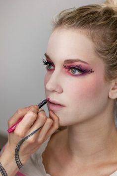 3 Thrilling, Chilling Halloween Makeup DIYs