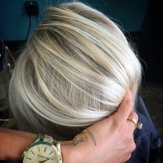 Love the dimension in her blonde!