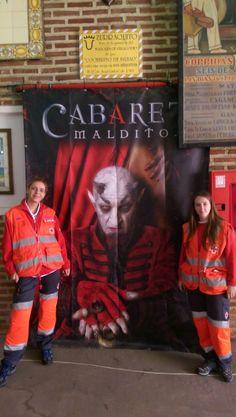 """Voluntarias/os de Cruz Roja Margen Izquierda cubriendo """"Cabaret Maldito - Circo de Los Horrores"""" en #Bilbao."""