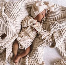 Cream Headwrap - Project Nursery Toddler Hair Bows, Baby Hair Bows, Newborn Photo Props, Newborn Photos, Big Fashion, Toddler Fashion, Crown Headband, Project Nursery, Baby Outfits Newborn