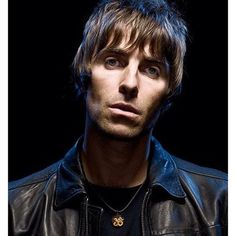 noelgallagherblog:  Rock shots don't come more iconic than this:  When Andy Earl met #LiamGallagher.