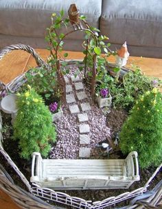 Stunning Fairy Garden Miniatures Project Ideas 29